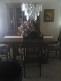 Dining table with 4 chairs and extension and Hutch Las Vegas