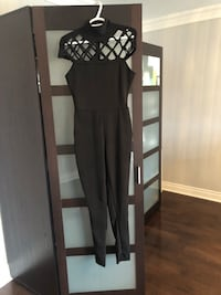Brand new black jumpsuit! Never worn. Amazing quality. Stretch Côte-Saint-Luc, H4W 2V3