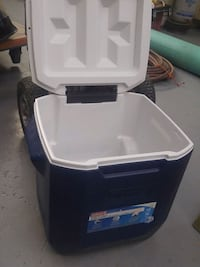Coleman cooler with handle Toronto, M9L 1N4