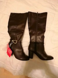 pair of brown leather knee high boots Edmonton, T5G 3J8