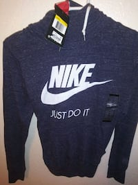 black and white Nike pullover hoodie Fresno, 93703
