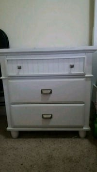 white wooden 3-drawer chest Silver Spring, 20910