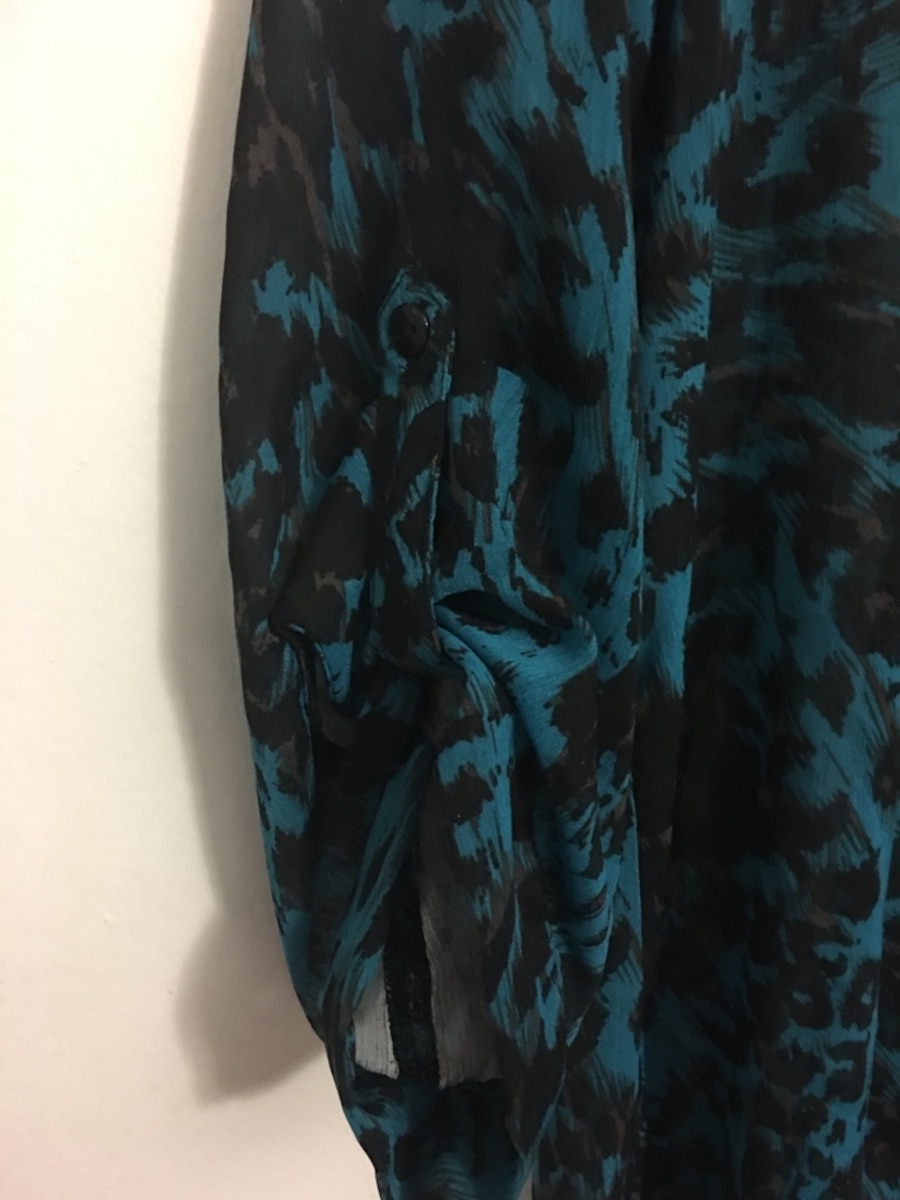 Black and blue leopard print keyhole front long sleeve shirt - Toronto