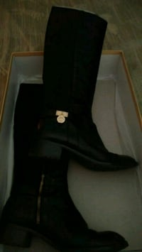 Micheal Kors boots.  Size 7 St. Catharines, L2R 2C5