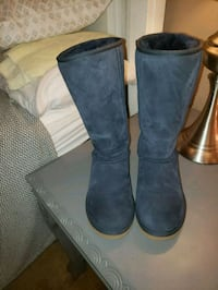 pair of navy UGG boots Greensboro, 27407