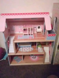 pink and white wooden dollhouse Niceville, 32578