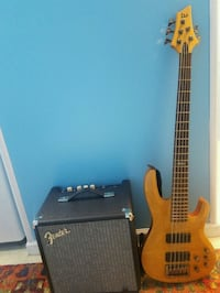 Electric Bass Guitar with Fender Rumble Kettering