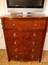 Nice modern wooden big chest dresser with big draw 33 km
