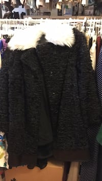 black and gray fur coat Montréal, H9H