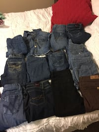 13 pair of jeans all for $35 Bakersfield, 93309