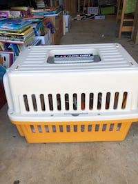 Cat/ Dog carrier with additional items  Leesburg, 20175