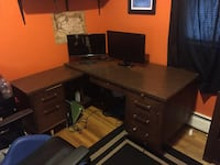 Brown wooden desk with mirror Colchester, 05446