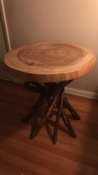 Accent Side Table  2279 mi