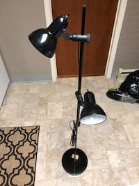 Floor lamp with 2 movable lights FULLY FUNCTIONAL  Philadelphia, 19124