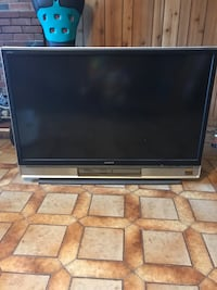 """Sony 50"""" rear projection tv 1080hd (missing remote)"""