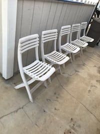 Fold up stackable party chairs Rancho Cucamonga, 91737