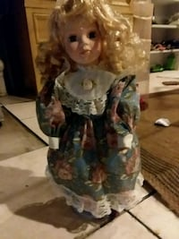 white and blue dressed porcelain doll Allentown, 18109