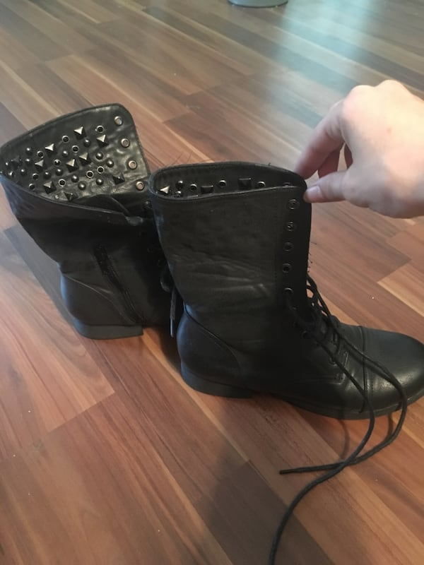Size 6.5 Studded Combat Boots 56a3c5a1-fdc9-4d24-aa7e-a68fe01340b3