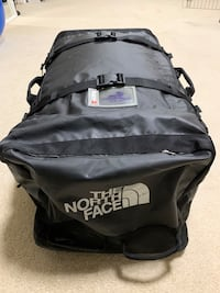 North Face XL Duffel Travel Bag Centreville, 20120