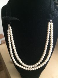 Pearls and tie back