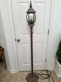 Post lamp. Indoor or outdoor. Plugs in. Bronze  Greencastle, 17225