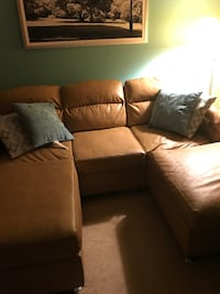Brown sectional couch Brookhaven, 11776