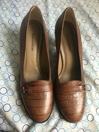 Pair of brown leather loafers Washington, 20037