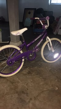 "Girls bike 18"" wheels"