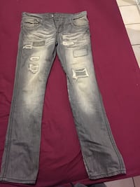 distressed blue denim straight cut jeans Mississauga, L4T 2N9