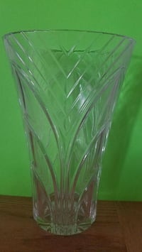 "11"" Crystal glass vase  Henderson, 89014"