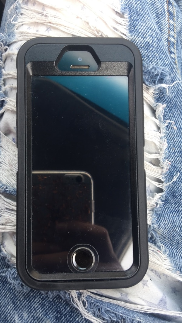iPhone 5s 16gb grey and black