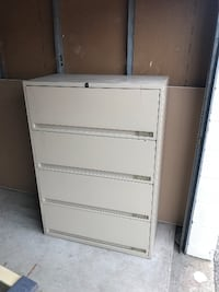 4 Drawer Filing Cabinets, Very Good Condition, Cheap Price! Mississauga