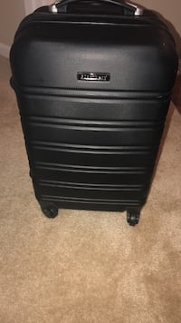 Blomberg suitcase  Germantown, 20874