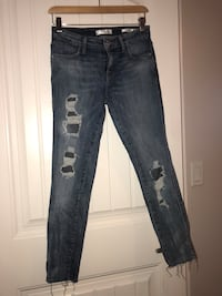 Guess size 26 New Westminster, V3M 4M3