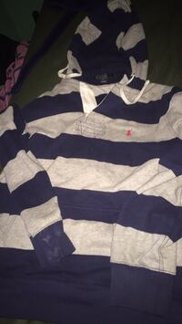 polo hoodie  Medium Temple Hills, 20748