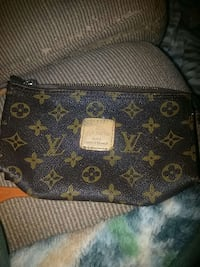 brown louis vuitton leather pouch Gaithersburg, 20886