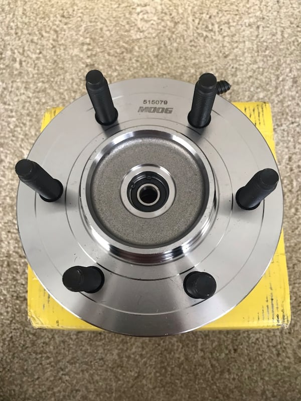 New Moog Wheel Hub and Bearing b215a0b9-8df5-4417-850a-886a2efeeaf0