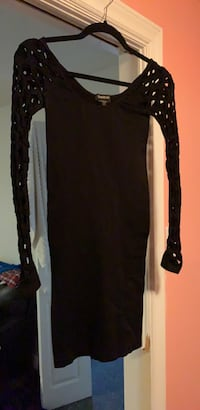 black and white long-sleeved dress Mississauga, L4Y 1X5