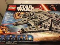 Lego star wars 75105 millenium falcon toy box Toronto, M3A 2R4