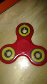 Red and yellow fidget spinner Los Angeles, 90023