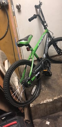 green and black hardtail mountain bike Folsom, 19033