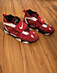 pair of red-and-black Nike basketball shoes Largo, 33778