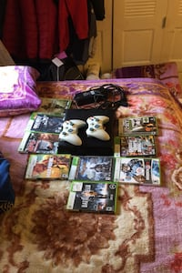 Xbox 360 with 9 games and 2 Controllers Lexington, 40517