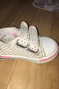 Minnie Mouse shoes size 4-5