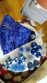 "44"" tree velvet tree skirt + ornaments Toronto, M4E 1X6"
