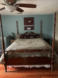 Mirrored dresser and Queen bed set Mt Airy, 21771