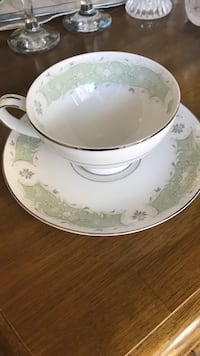 Antique porcelain tea cups and saucers Mississauga, L5A 1N2