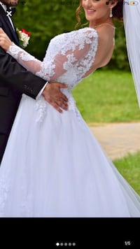 Women's white floral wedding gown Centreville, 20120