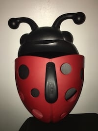 Boon Ladybug Bathtub Toy Scoop and Holder Coquitlam, V3K 4E6