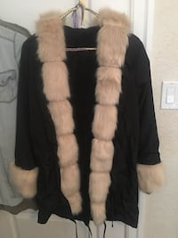 Ladies jacket with faux fur  Victoria, V8T 4G2